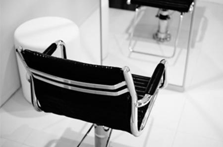 茨城県つくば市眼鏡999.9フォーナインズ店舗の椅子