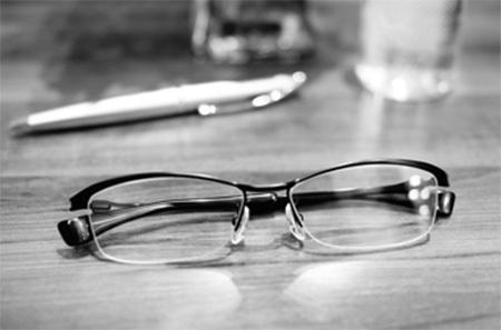 茨城県つくば市999.9フォーナインズ眼鏡 ミックスフレーム